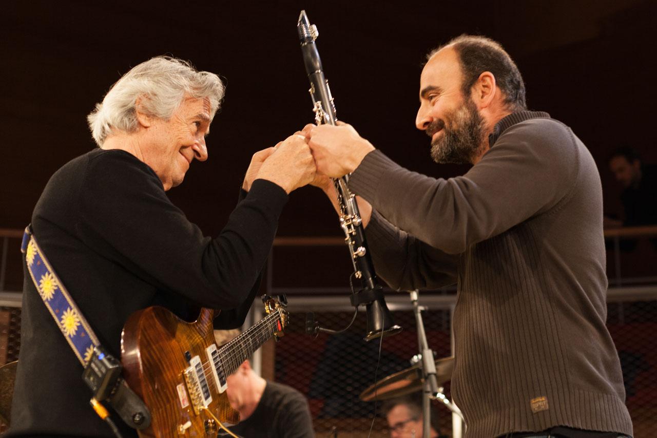 John McLaughlin und Kinan Azmeh im Boulez Saal Berlin