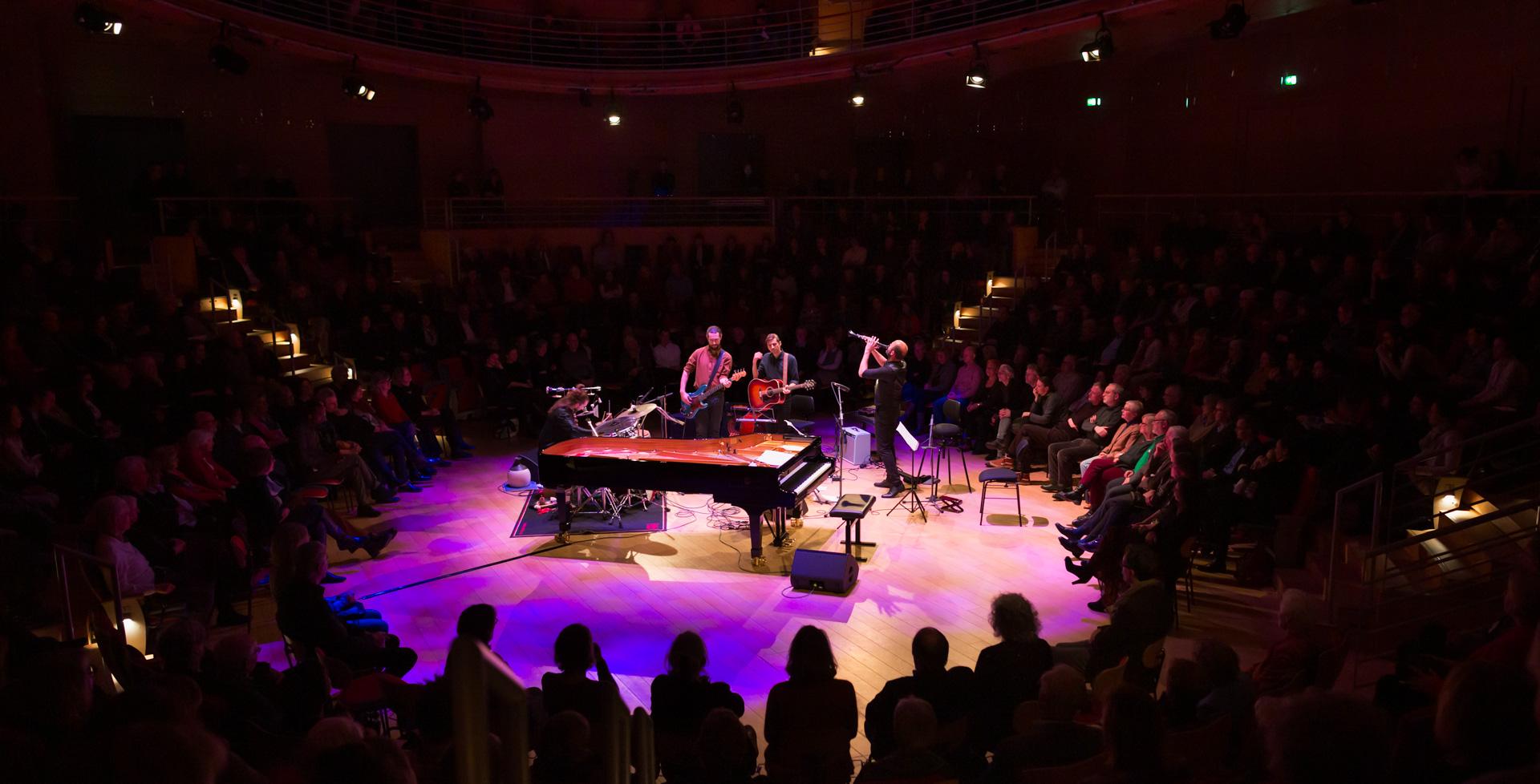 Kinan Azmeh mit seiner New Yorker City Band im Berliner Boulez Saal
